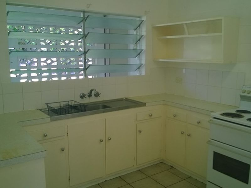 Property Lease at 2/47 Miles Street, MANOORA QLD, 4870