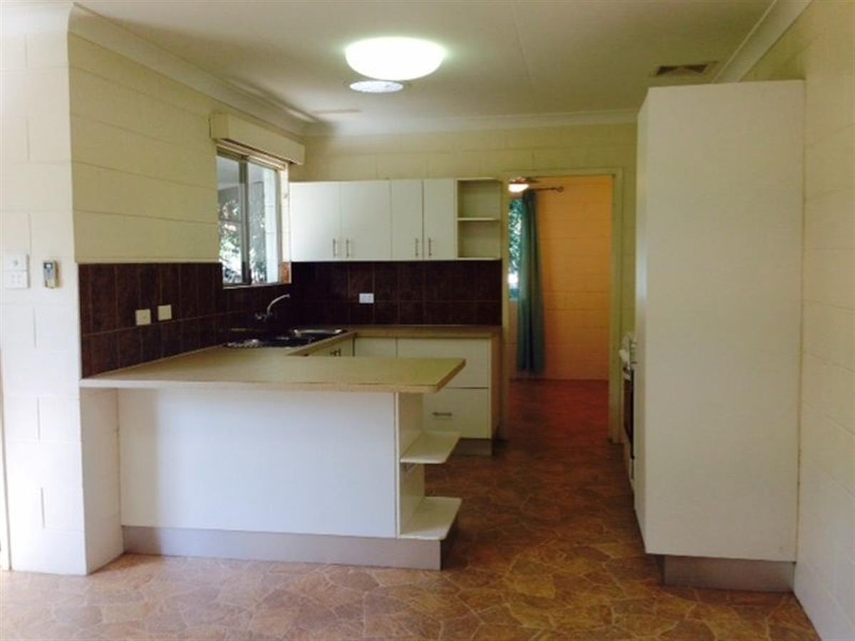 Property Sale at 1&2/93 Marshall Street, MACHANS BEACH QLD, 4878
