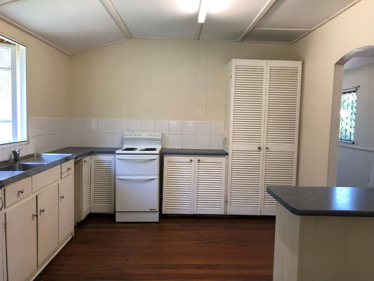 Property Lease at 2/8 Tully Street, STRATFORD QLD, 4870