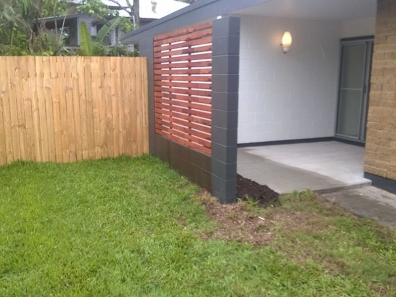 Property Lease at 2/4 Moody Street, MANOORA QLD, 4870