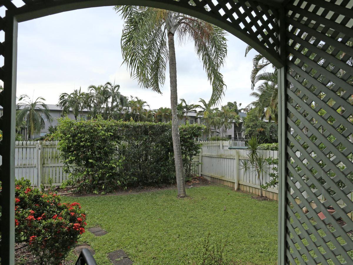 Property Lease at 7/19 Grantala Street, MANOORA QLD, 4870