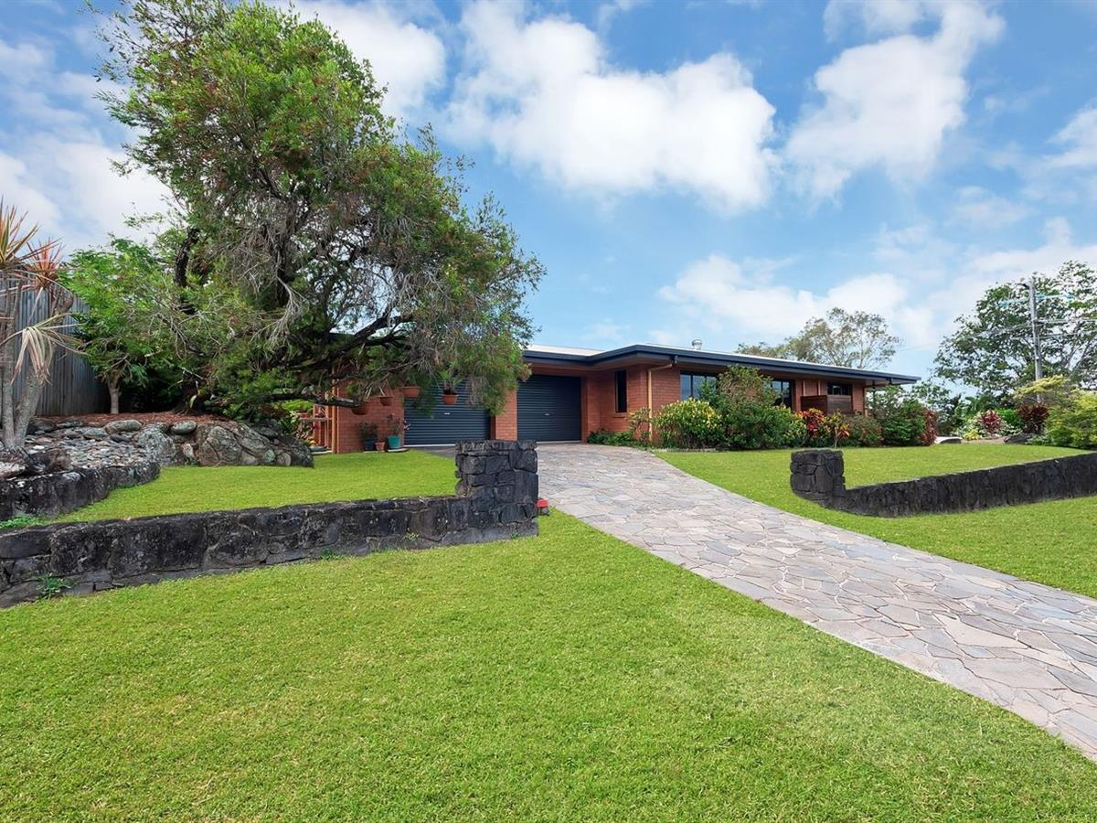 Property Lease at 91-93 McManus Street, WHITFIELD QLD, 4870