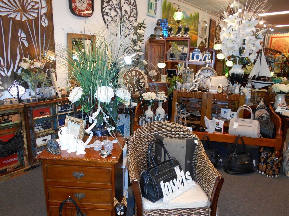 GIFTWARE BOUTIQUE FOR SALE
