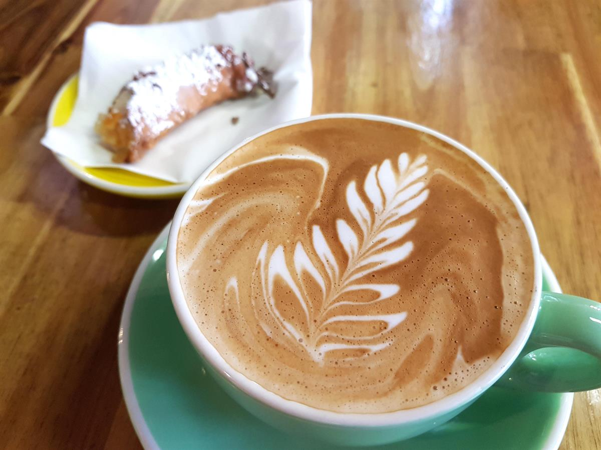 CAIRNS INNER CITY BOUTIQUE CAFE FOR SALE