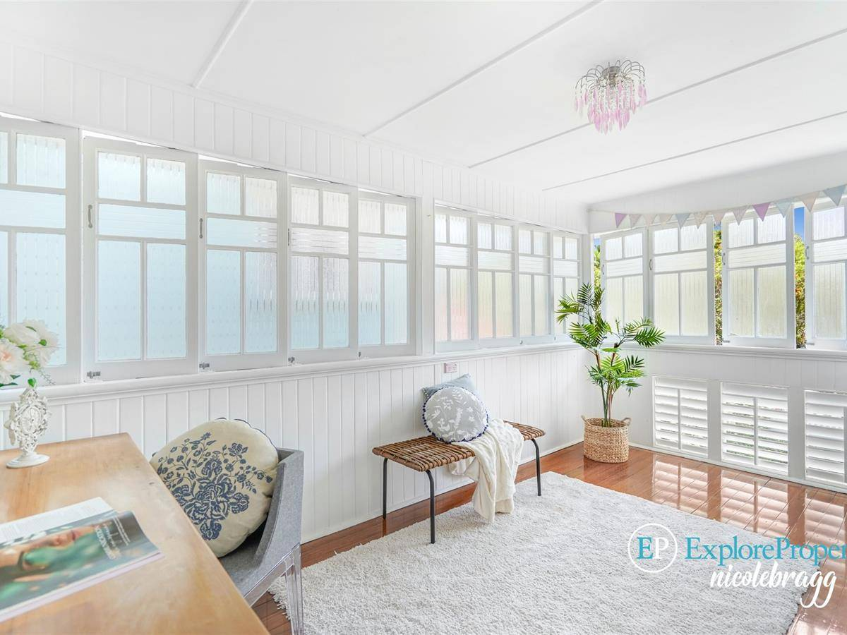 CHARMING QUEENSLANDER CLOSE TO THE CITY