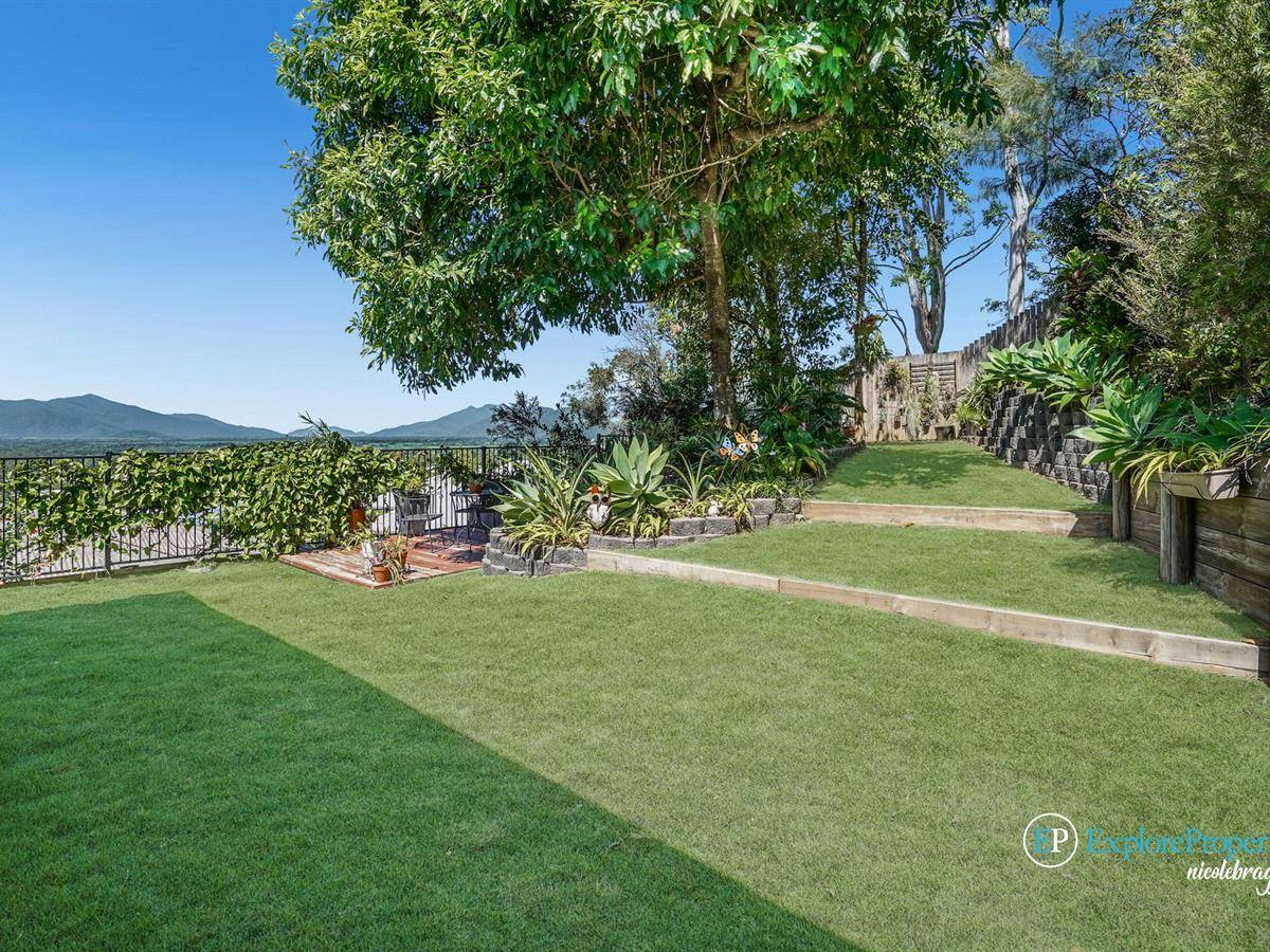 Incredible Home, Amazing Forest Gardens Location!