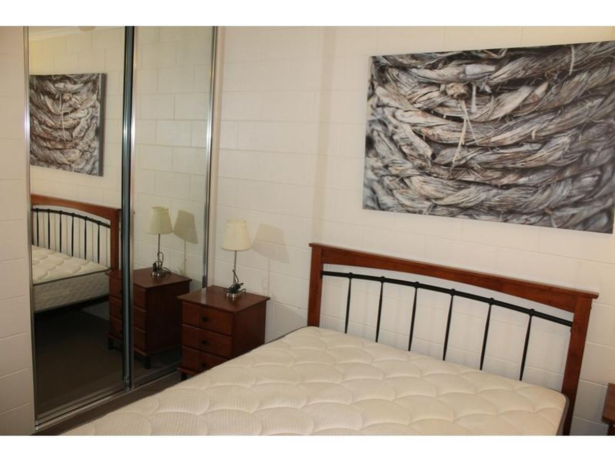 Property Lease at 4/5 Deshon Street, Whitfield QLD, 4870