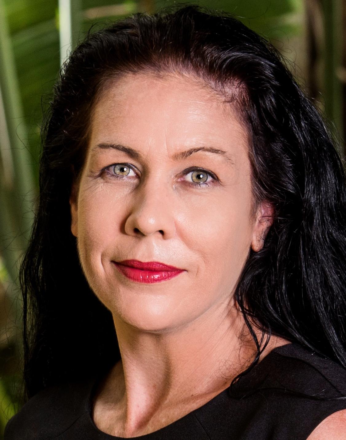 Nicole Searle