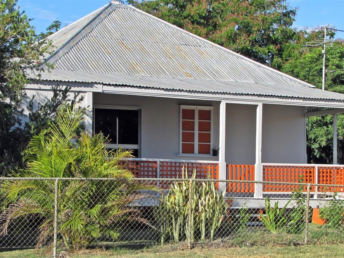 SPACIOUS COTTAGE HUGHENDEN CENTRAL