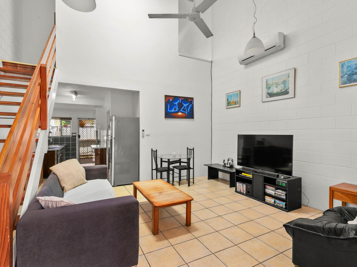 ENSUITED 2 BEDROOM, BEACHSIDE TOWNHOUSE