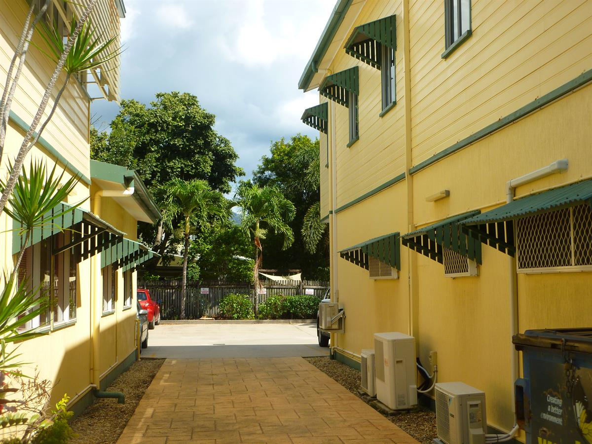Property Lease at Unit 4/161 Aumuller Street, Bungalow QLD, 4870