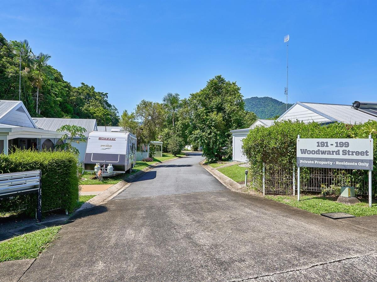 Property Lease at 11/191-199 Woodward Street, Whitfield QLD, 4870